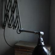 lampen-471-scherenleuchte-midgard-stahloptik-scissor-lamp-emailleschirm-enamel-industrial-018