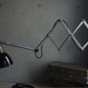 lampen-471-scherenleuchte-midgard-stahloptik-scissor-lamp-emailleschirm-enamel-industrial-020