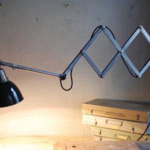 lampen-471-scherenleuchte-midgard-stahloptik-scissor-lamp-emailleschirm-enamel-industrial-021