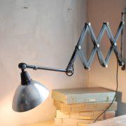 lampen-511-grosse-scherenleuchte-midgard-restauriert-aluschirm-curt-fischer-industrial-lamp-scissor-light-035