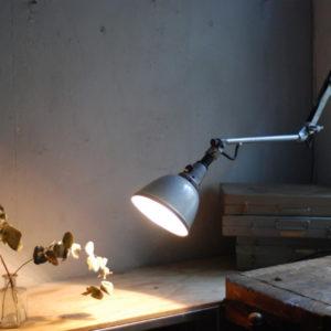 lampen-519-scherenleuchte-scherenlampe-midgard-110-hammerschlag-grau-scissor-lamp-grey-hammertone-004