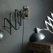 lampen-468-paar-scherenlampen-kaiser-idell-6614-super-mondlampen-pair-of-scissor-lamps-christian-dell-moon-wall-lamp-023_dev