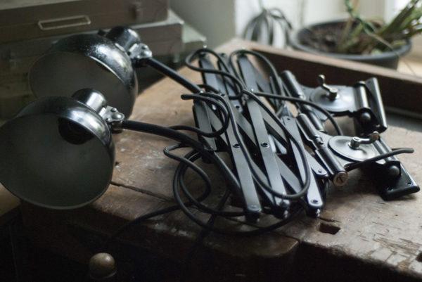 lampen-517-539-paar-von-schwarzen-scherenlampe-kaiser-idell-6614-pair-of-black-scissor-lamps-christian-dell-004_dev