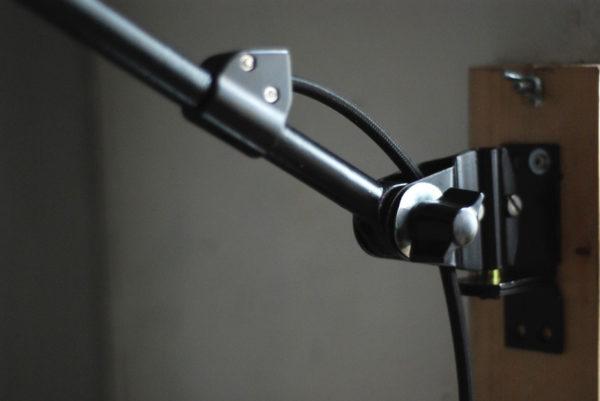 lampen-527-schwarze-grosse-gelenklampe-midgard-ddr-aluschirm-wall-hinged-lamp-industrial-011