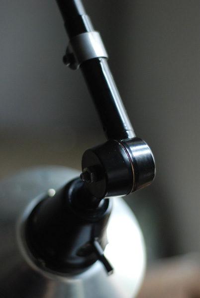 lampen-527-schwarze-grosse-gelenklampe-midgard-ddr-aluschirm-wall-hinged-lamp-industrial-021