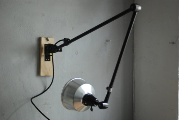lampen-527-schwarze-grosse-gelenklampe-midgard-ddr-aluschirm-wall-hinged-lamp-industrial-024