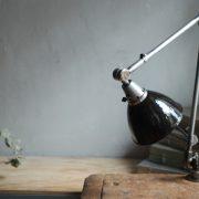 lampen-323-tischleuchte-gelenklampe-midgard-stahloptik-emailleschirm-curt-fischer-table-lamp-task-hinged-steel-enamel-15