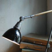 lampen-440-tischleuchte-gelenklampe-midgard-stahloptik-emailleschirm-curt-fischer-table-lamp-task-hinged-steel-enamel-27
