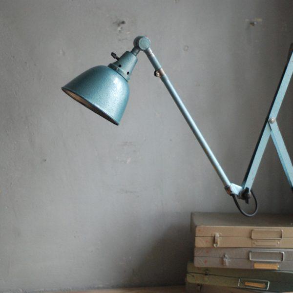 lampen-510-grosse-scherenlampe-werkstattleuchte-hammerschlag-tuerkis-midgard-ddrp-big-scissor-lamp-curt-fischer-hammertone-003