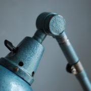 lampen-510-grosse-scherenlampe-werkstattleuchte-hammerschlag-tuerkis-midgard-ddrp-big-scissor-lamp-curt-fischer-hammertone-005