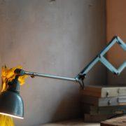 lampen-510-grosse-scherenlampe-werkstattleuchte-hammerschlag-tuerkis-midgard-ddrp-big-scissor-lamp-curt-fischer-hammertone-009