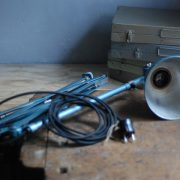 lampen-510-grosse-scherenlampe-werkstattleuchte-hammerschlag-tuerkis-midgard-ddrp-big-scissor-lamp-curt-fischer-hammertone-017