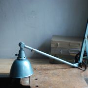 lampen-510-grosse-scherenlampe-werkstattleuchte-hammerschlag-tuerkis-midgard-ddrp-big-scissor-lamp-curt-fischer-hammertone-023