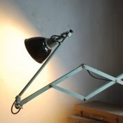 lampen-546-grosse-scherenleuchte-scherenarm-midgard-112-originalerhalt-hammerschlag-hammertone-enamel-big-vintage-scissor-lamp-curt-fischer-27