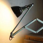 lampen-546-grosse-scherenleuchte-scherenarm-midgard-112-originalerhalt-hammerschlag-hammertone-enamel-big-vintage-scissor-lamp-curt-fischer-28