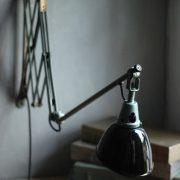 lampen-546-grosse-scherenleuchte-scherenarm-midgard-112-originalerhalt-hammerschlag-hammertone-enamel-big-vintage-scissor-lamp-curt-fischer-33