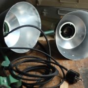 lampen-553-554-paar-gelenkleuchte-wandlampen-midgard-ddrp-originalzustand-hammerschlag-grün-pair-wall-hinged-lamps-hammertone-001
