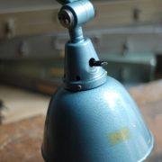 lampen-555-scherenlampe-werkstattleuchte-hammerschlag-tuerkis-midgard-ddrp-big-scissor-lamp-curt-fischer-hammertone-018