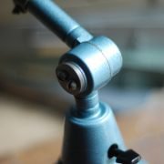 lampen-555-scherenlampe-werkstattleuchte-hammerschlag-tuerkis-midgard-ddrp-big-scissor-lamp-curt-fischer-hammertone-023
