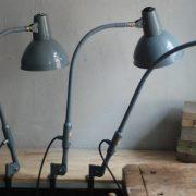 lampen-373-374-375-374-konvolut-4-klemmleuchten-industrielle-tischlampe-sis-schweinfurt-gooseneck-clamp-lamp-industrial-009