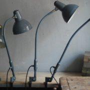 lampen-373-374-375-374-konvolut-4-klemmleuchten-industrielle-tischlampe-sis-schweinfurt-gooseneck-clamp-lamp-industrial-013