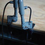 lampen-373-374-375-374-konvolut-4-klemmleuchten-industrielle-tischlampe-sis-schweinfurt-gooseneck-clamp-lamp-industrial-015