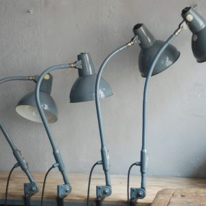 lampen-373-374-375-374-konvolut-4-klemmleuchten-industrielle-tischlampe-sis-schweinfurt-gooseneck-clamp-lamp-industrial-016