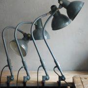 lampen-373-374-375-374-konvolut-4-klemmleuchten-industrielle-tischlampe-sis-schweinfurt-gooseneck-clamp-lamp-industrial-023