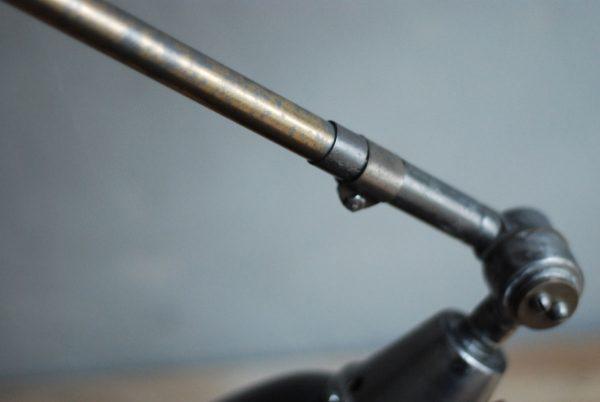 lampen-497-grosse-tischlampe-klemmleuchte-midgard-curt-fischer-patina-emailleschirm-big-task-hinged-clamp-lamp-04