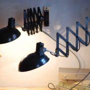 lampen-543-560-paar-scherenlampen-helion-bakelitschirm-bakelite-pair-of-industrial-scissor-lamps-028