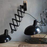 lampen-543-560-paar-scherenlampen-helion-bakelitschirm-bakelite-pair-of-industrial-scissor-lamps-035