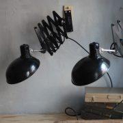 lampen-543-560-paar-scherenlampen-helion-bakelitschirm-bakelite-pair-of-industrial-scissor-lamps-039