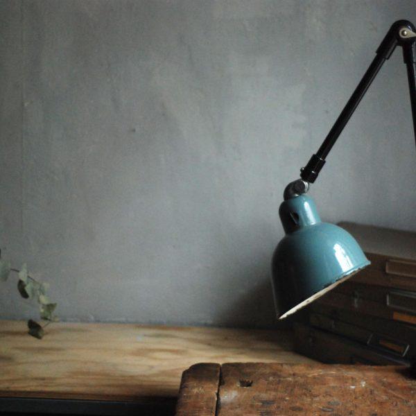 lampen-383-tischleuchte-gelenkampe-siemens-emailleschirm-hinged-grey-blue-industrial-lamp-enamel-30