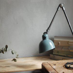 lampen-444-tischleuchte-gelenkampe-siemens-emailleschirm-hinged-grey-blue-industrial-lamp-enamel-01