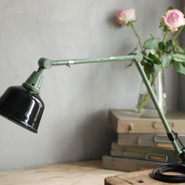 lampen-561-tischleuchte-gelenkampe-midgard-ddrp-gruene-emailleschirm-hinged-green-industrial-lamp-enamel-30