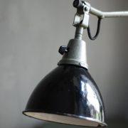 lampen-474-gelenkarmleuchte-midgard-121-tischlampe-arbeitlampe-desk-hinged-lamp-curt-fischer-hammerschlag-hammertone-003