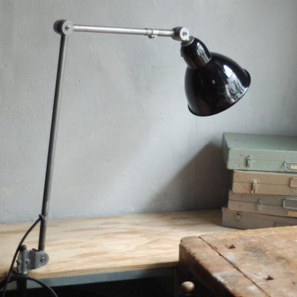 lampen-343-gelenkleuchte-emaille-kahla-midgard-klemmlampe-hinged-clamp-lamp-enameled-shade-(6)