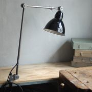 lampen-343-gelenkleuchte-emaille-kahla-midgard-klemmlampe-hinged-clamp-lamp-enameled-shade-(9)