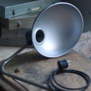 lampen-578-klemmleuchte-helion-mit-grossem-bakelitschirm-clamp-lamp-ddr-005_dev