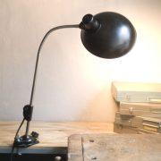 lampen-578-klemmleuchte-helion-mit-grossem-bakelitschirm-clamp-lamp-ddr-026_dev