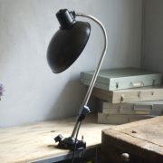 lampen-578-klemmleuchte-helion-mit-grossem-bakelitschirm-clamp-lamp-ddr-040_dev