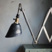 lampen-593-fruehe-vernickelte-scherenleuchte-midgard-wandarm-early-nickel-plated-curt-fischer-scissor-wall-lamp_19