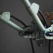 lampen-621-622-paar-wandleuchten-gelenklampen-hammerschlaggruen-midgard-ddrp-curt-fischer-pair-of-wall-lamp-hammertone-green-industrial_029