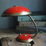 lampen-629-rote-tischleuchte-helo_6958