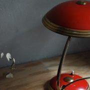 lampen-629-rote-tischleuchte-helo_6990
