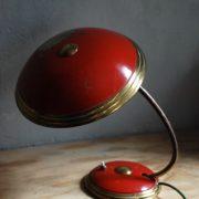 lampen-629-rote-tischleuchte-helo_7004
