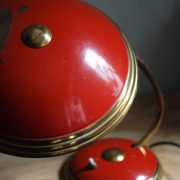 lampen-629-rote-tischleuchte-helo_7011