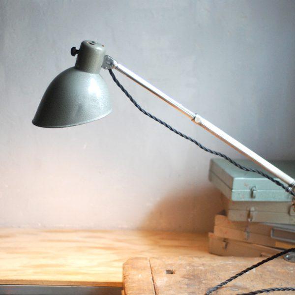 lampen-591-gelenklampe-verstellbar-hala-neslr-hammerschlag-bauhaus-hinged-table-lamp_030