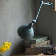 lampen-326-gelenklampe-wandleuchte-midgard-ddrp-hammerschlag-blau-curt-fischer-blue-hammertone-bauhaus-ddr-wall-hinged-industrial-lamp-(16)