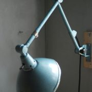 lampen-326-gelenklampe-wandleuchte-midgard-ddrp-hammerschlag-blau-curt-fischer-blue-hammertone-bauhaus-ddr-wall-hinged-industrial-lamp-(18)
